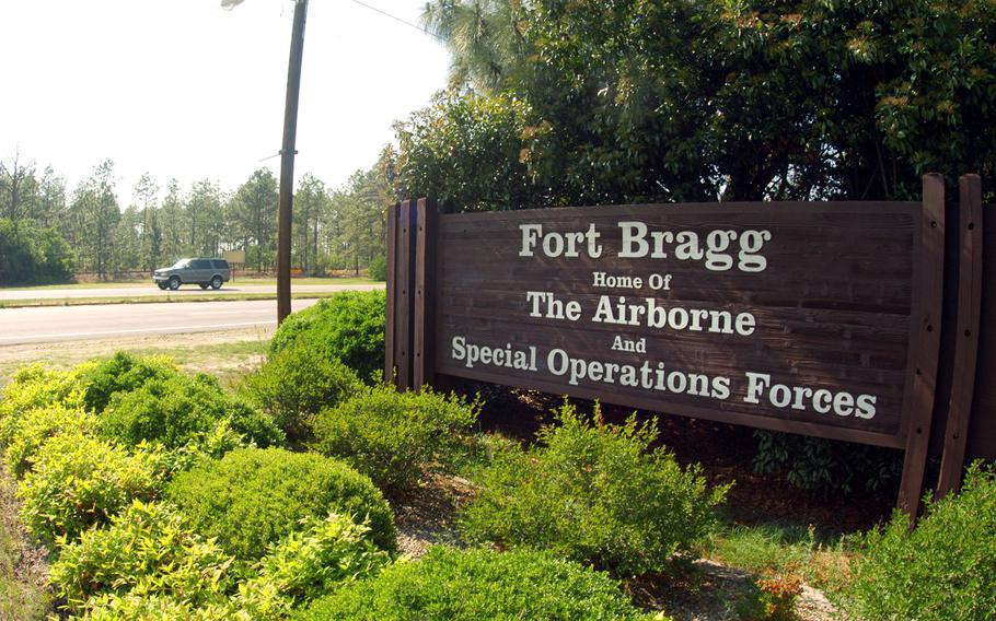 A sergeant and a private at Fort Bragg sought to arrange sham marriages between soldiers and immigrants according to federal court documents. (Logan Mock-Bunting/Getty Images)