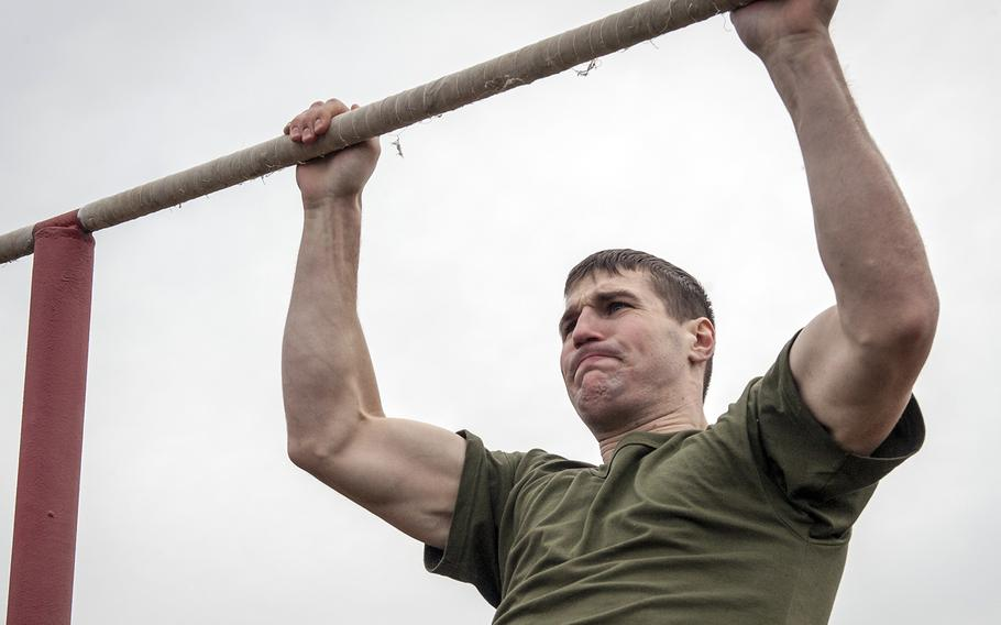 A Marine Corps officer candidate performs a physical fitness test at Marine Corps Base Quantico, Va., on Jan. 20, 2016.