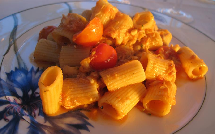 Pasta with cherry tomatoes is one of the many dishes available at the restaurant of Hotel Catullo in Sirmione.