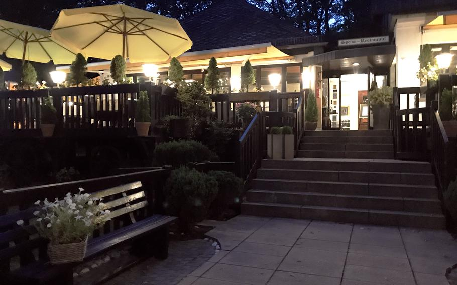 The Forsthaus Rheinblick, at the foot of the hill leading up to Wiesbaden's Rheinblick Golf Course, serves solid German cuisine that is hearty but not heavy.