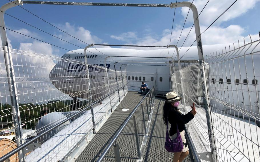 A view of the Lufthansa Boeing 747 at the Technik Museum Speyer from a walkway on its left wing.