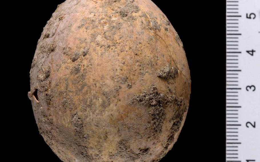 An intact chicken egg dating from roughly 1,000 years ago was revealed during archaeological excavations in Yavne, Israel.