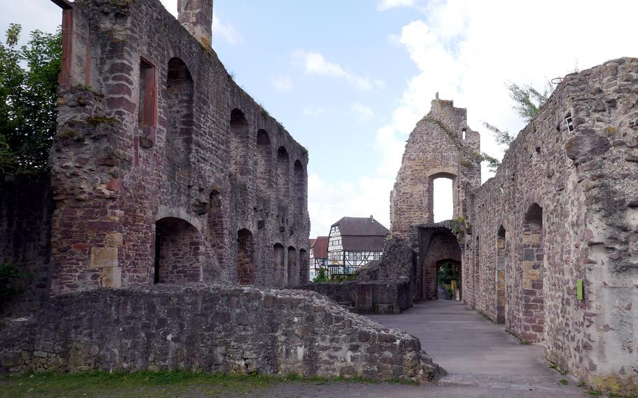 The ruins of the Palas, the living quarters of Burg Hayn, looking out towards the town of Dreieichenhain, with its half-timbered houses.