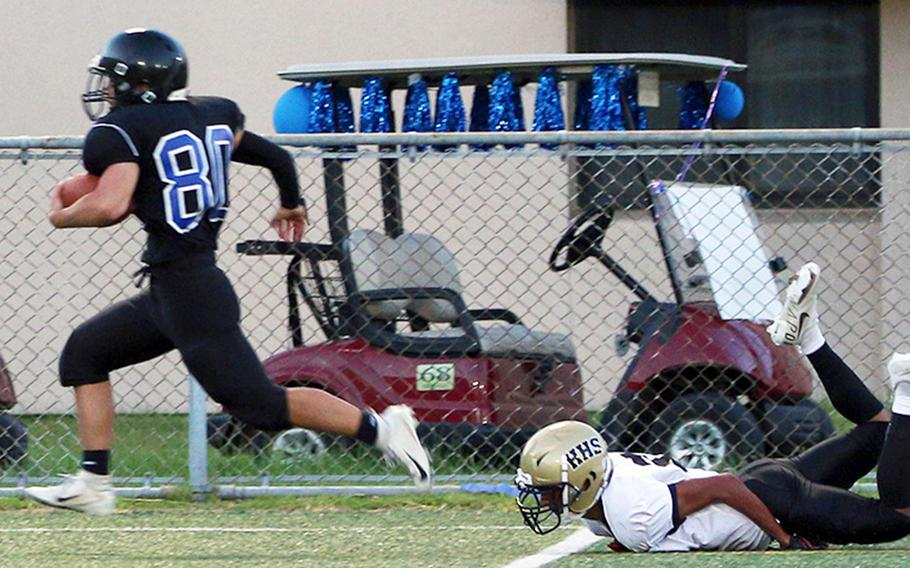 Osan's A.J. Panboon leaves a Humphreys player in his wake as he returns a kickoff 77 yards for a touchdown.