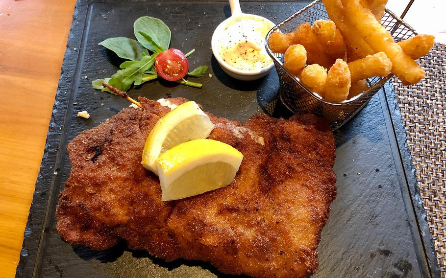 A Swiss dish that gained international fame is the cordon bleu. In the Swiss House in Bad Duerkheim, it is made with two slices of veal, and a layer of air-dried beef and gruyere cheese in the middle. It is served with thick but extra crispy french fries.