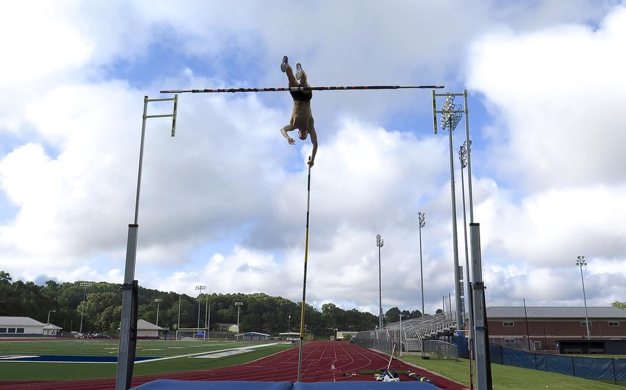 Pole-vaulter Sam Kendricks, then a second lieutenant in the U.S. Army Reserve, trains for the Rio Olympics in Oxford, Mississippi, July 27, 2016.