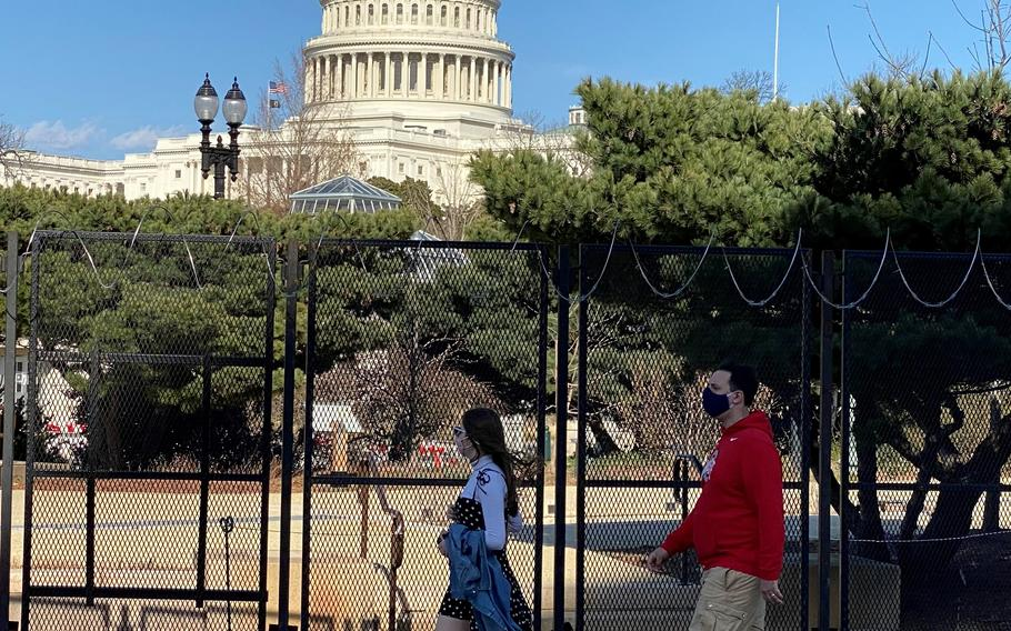 120p na         The acting House sergeant-at-arms said Monday in a memo to members of Congress that security fencing that has circled the U.S. Capitol since a mob attacked the building on Jan. 6 will be scaled back in two phases after the U.S. Capitol Police said there is no known, credible threat that warrants keeping the temporary barrier.