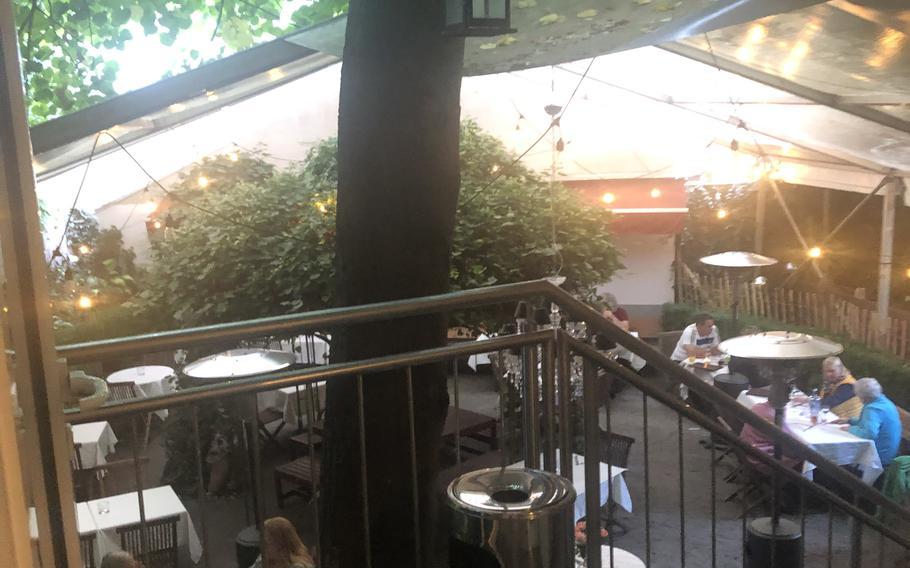 The outdoor dining area at Julien restaurant in Kaiserslautern.