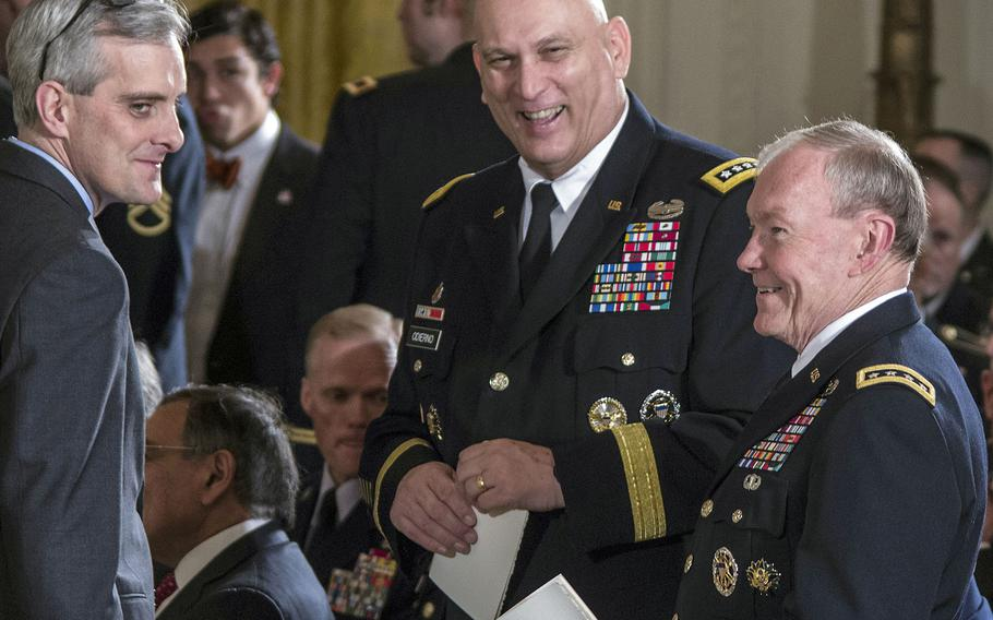 Army Chief of Staff Gen. Raymond T. Odierno, center, with Joint Chiefs of Staff Chairman Gen. Martin Dempsey and White House Chief of Staff Denis McDonough before a White House ceremony in 2013.