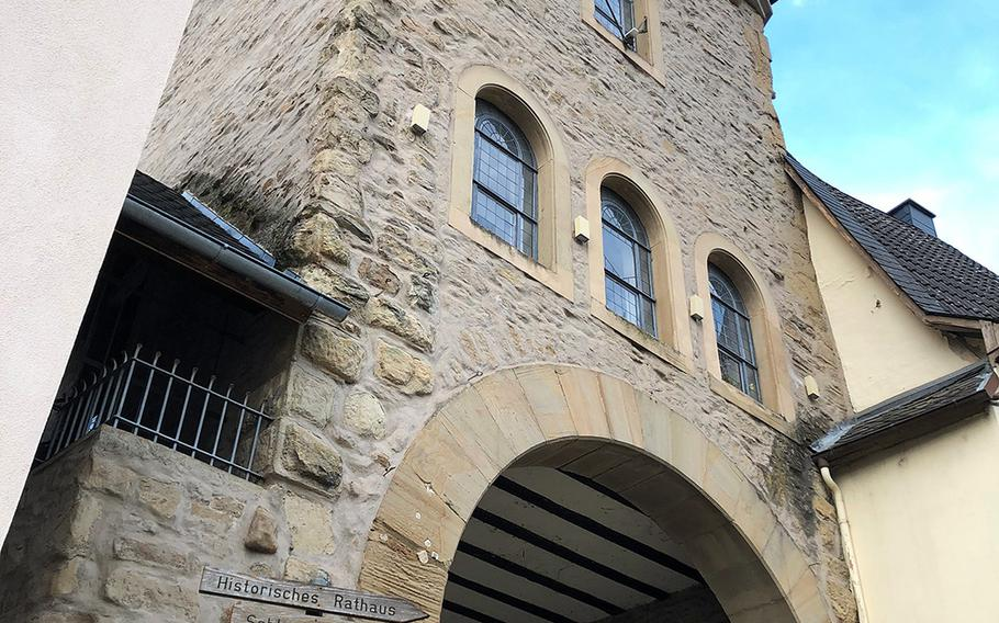 The lower gate and defensive tower, first built in 1315, is the only one of three gates that was never demolished in Meisenheim, Germany.