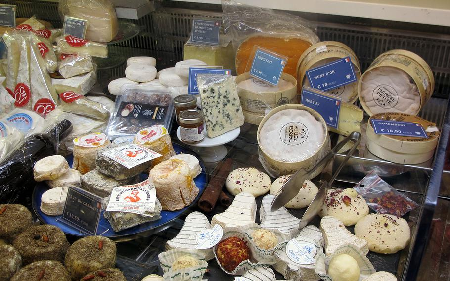Il Ceppo in Vicenza stocks all sorts of cheeses, primarily from Italy and France. They will compose cheese and/or meat selections for customers, including a fruity mustard they make on site.