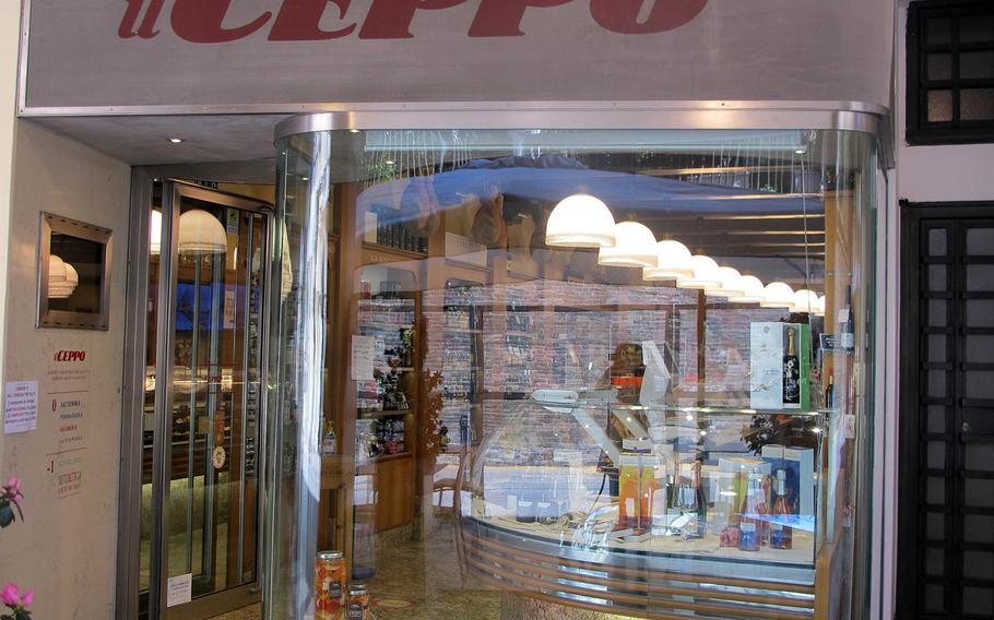 Il Ceppo, a gourmet food and wine store located on Vicenza's high street, has been a go-to takeout spot for those with discerning tastes all through Italy's pandemic lockdowns.