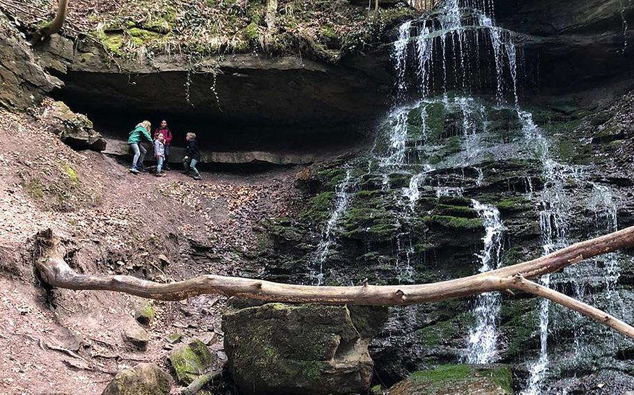 The trail along the Horschbach tributary hike feeds into the river Murr near Murrhardt. It showcases twisting trails and small waterfalls along the way.