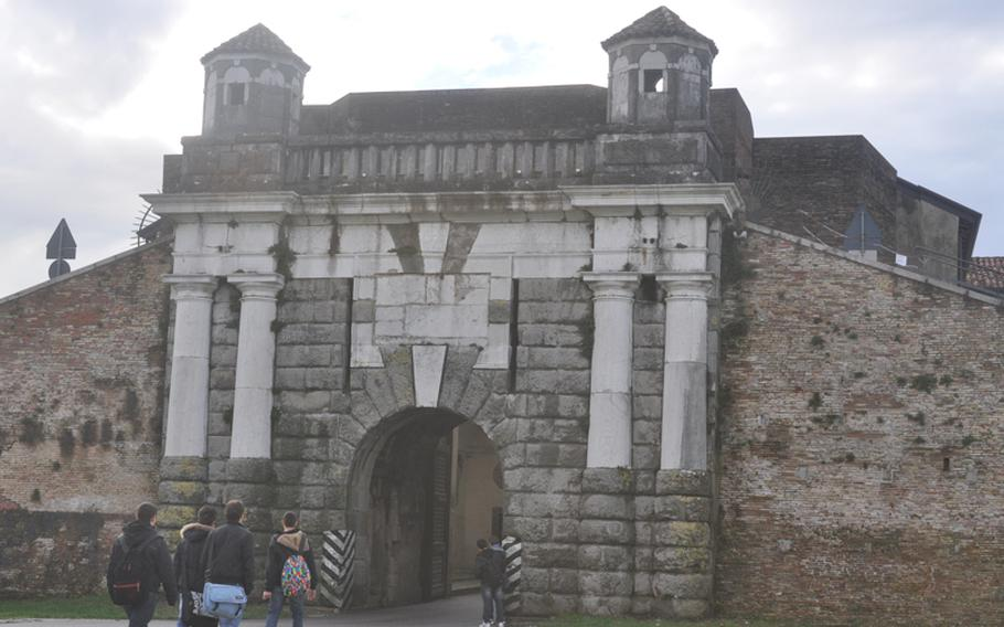 Porta Cividale is one of three gates allowing access to the town of Palmanova. The gate, on the eastern edge of the city, also houses  Museo Storico  Militare, a museum that details the city's military history.