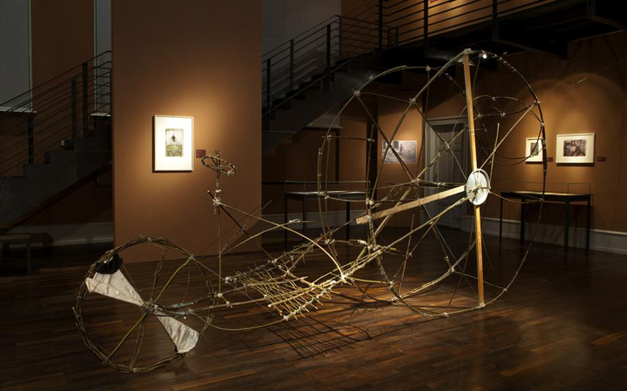 In addition to the paintings by Josef Forster, the exhibition at Heidelberg University's psychiatry clinic is a reconstructed version of a big wheel he made of branches.