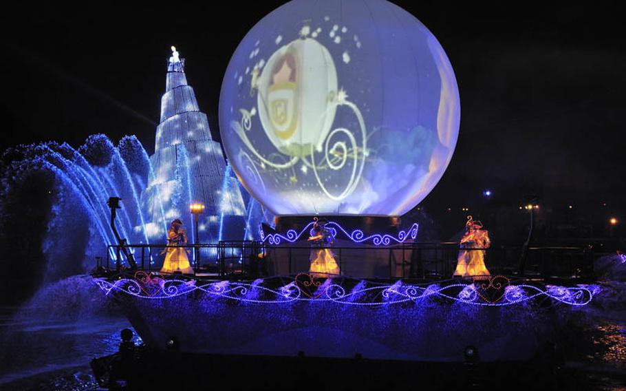 See the special nighttime spectacular Fantasmic at Tokyo DisneySea.