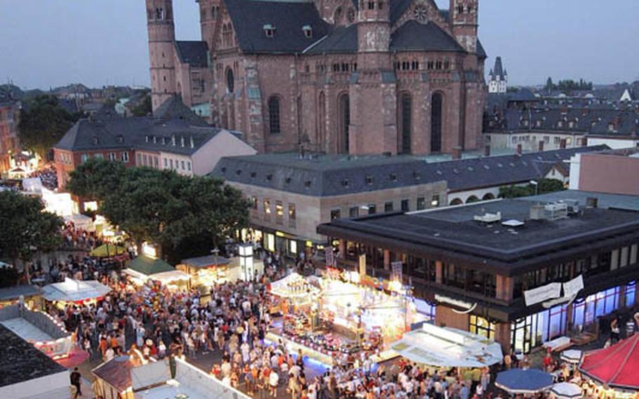The St. John?s Night (Johannisnacht) festival in Mainz is the region?s largest public festival.