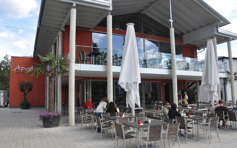 Before the weekday lunch crowd arrives, guests enjoy a recent summer day in Aposto's outdoor seating area in Bamberg, Germany.
