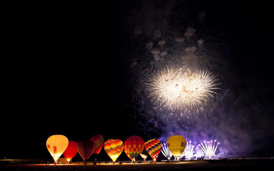 The evening show featuring fireworks and balloons lit from within is definitely the highlight of the annual hot air balloon festival in Ojiya, Japan.