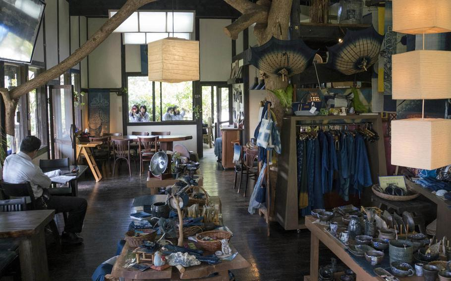 Ai Kaze's gift shop sells indigo-dyed items such as textiles and Okinawan pottery.