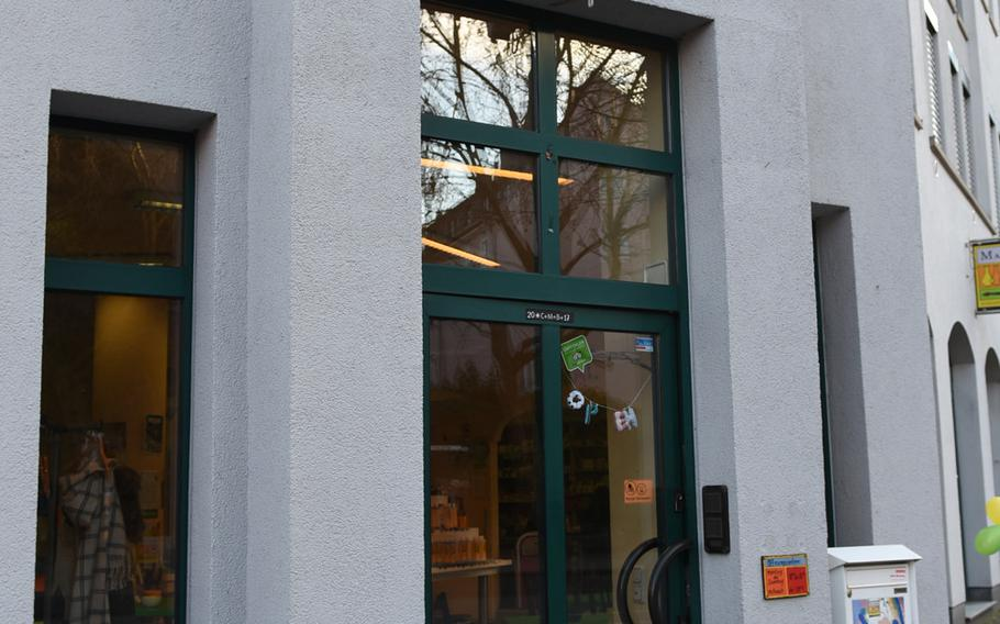 Mal-Werk is located on a corner in downtown Mainz, Germany, conveniently located down the street from the Karstadt department store parking garage.