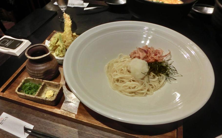 Cold zaru udon with tempura served at Tsuru Ton Tan in Tokyo's Roppongi district.