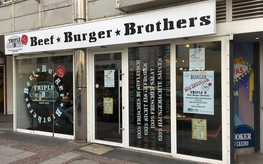 Beef Burger Brothers is a popular place in dowtown Stuttgart for a quick bite. As the name suggests, the specialty is hamburgers.