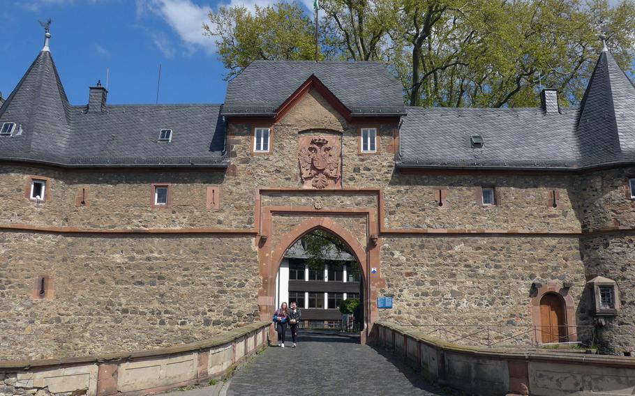 The southern gate of Burg, or castle in Friedberg. It is one of the largest in Germany. The castle was first mentioned in 1216, the gate dates back to around 1500.
