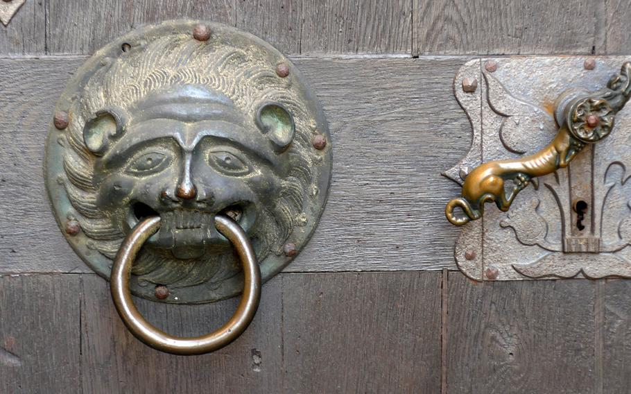 A close-up of the door to the Stadtkirche in Friedberg, Germany.