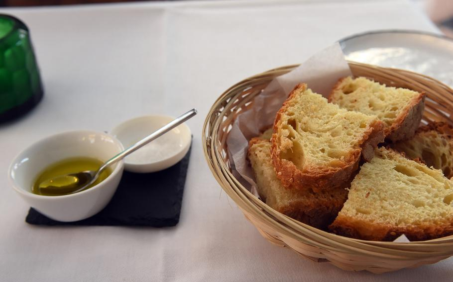 Olive oil and salt were perfect accompaniments to a basket of crusty bread at Italiano Sapori Veri in Kaiserslautern, Germany.