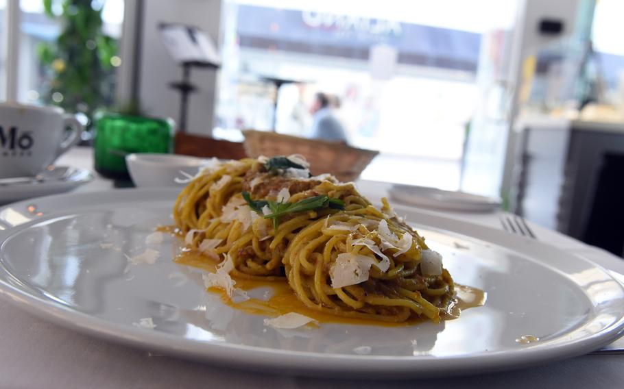 The pasta with homemade pesto at Italiano Sapori Veri in Kaiserslautern, Germany, could satiate a lumberjack's appetite.