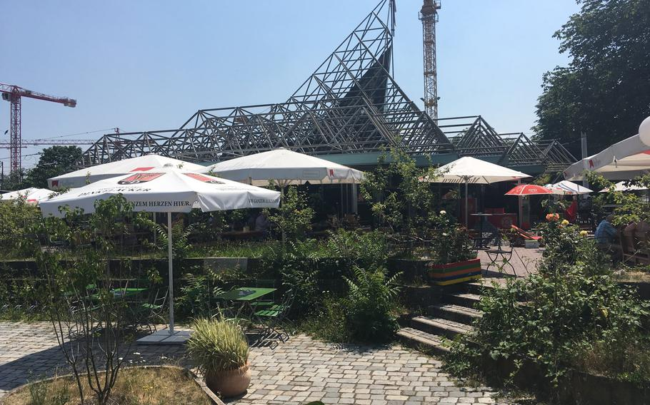 Flora & Fauna, a beer garden in Schlossgarten park in downtown Stuttgart, is an easygoing place to enjoy some down time on a hot day. The eatery is located on the park's north side.