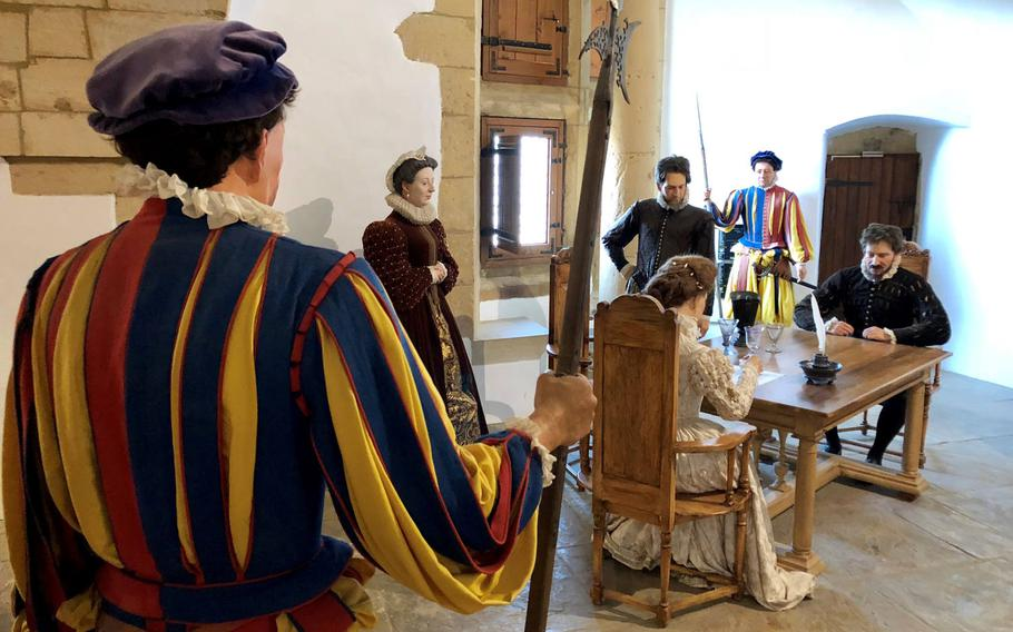 Dioramas inside Sedan castle depict the lives of the gentry, common people and soldiers in during various time-periods.