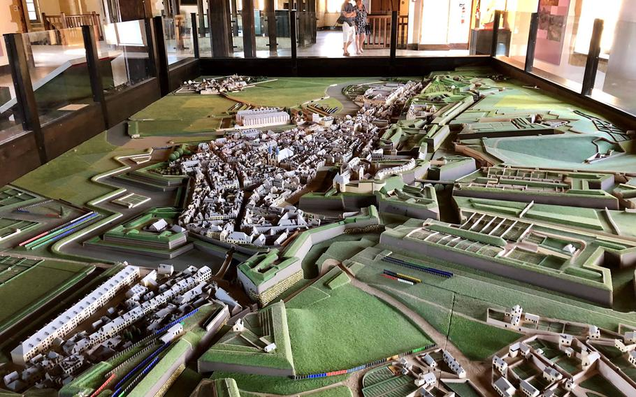 A huge model of Sedan fortress in the 19th century is part of the muuseum in the center of the castle. A visit is highly recommended.