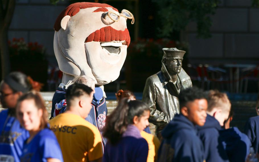 The annual Navy Mile fun run took place in Washington on Oct. 1, 2017, with runners of all ages turning out to participate. Teddie, the mascot of the Washington Nationals, came to hand out medals to runners and take photos with the kids.
