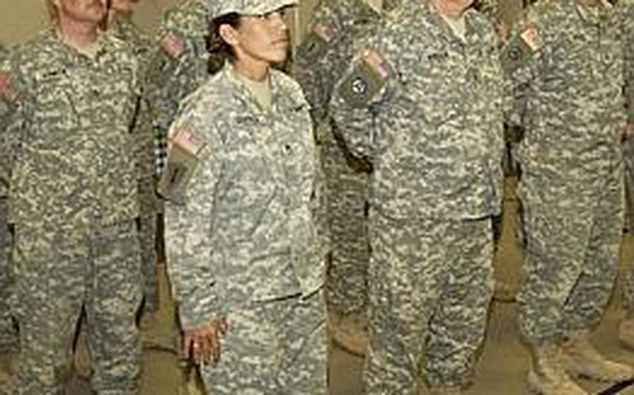 Sgt. Mathew Niblack returns from Kuwait in November 2006.