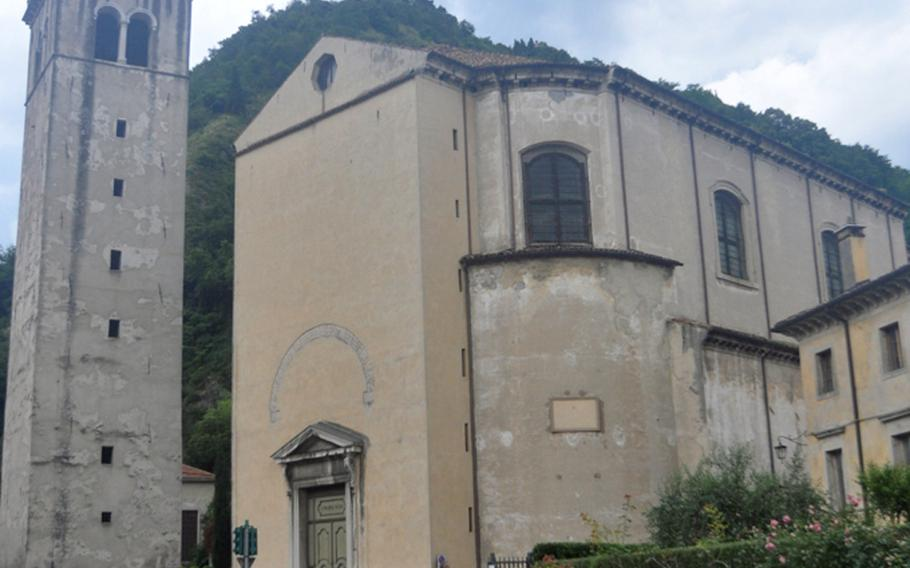 The Dumo (cathedral) in Serravalle was rebuilt in the1800s, though never fully completed. It's on the other side of the Meschio river from Piazza Flaminio. The bell tower dates back to an earlier church constructed several centuries earlier.