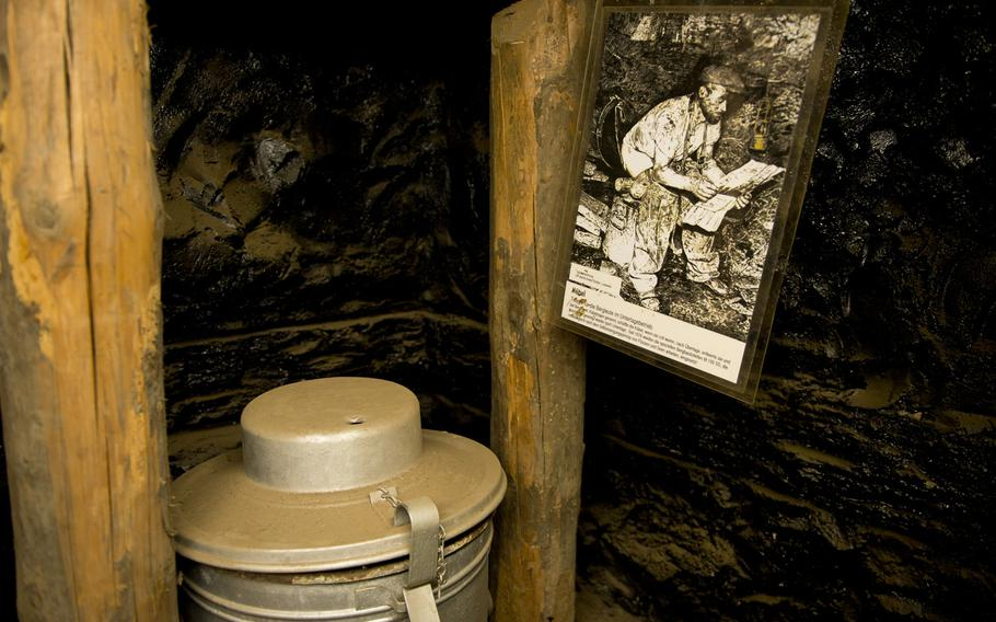 A photograph accompanies a toilet bucket depicting how to use the toilet bucket.