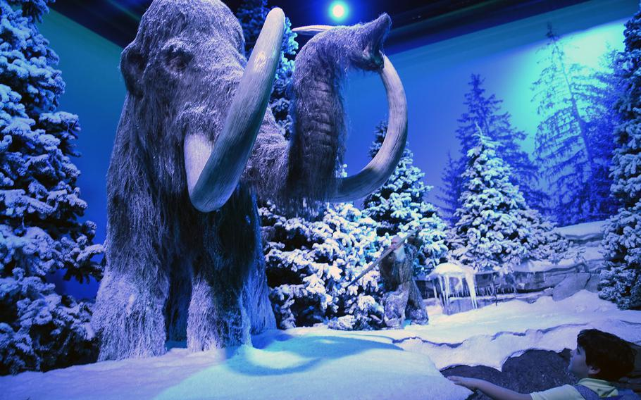 An exhibit at Gondwana - Das Praehistorium, an interactive museum near Kaiserslautern, Germany, depicts life during the Ice Age.