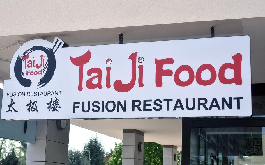 Zheng Jungling and Ying Wei operated a Chinese restaurant in Aviano, Italy, for almost two decades. Three months ago, they reopened their restaurant with a new name and at a new location.