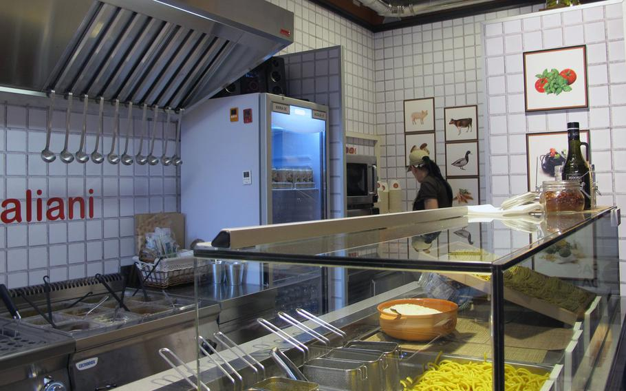 Bigoi in Vicenza, Italy, offers a choice of 10 sauces for its pasta, priced between 5 and 6.50 euros.