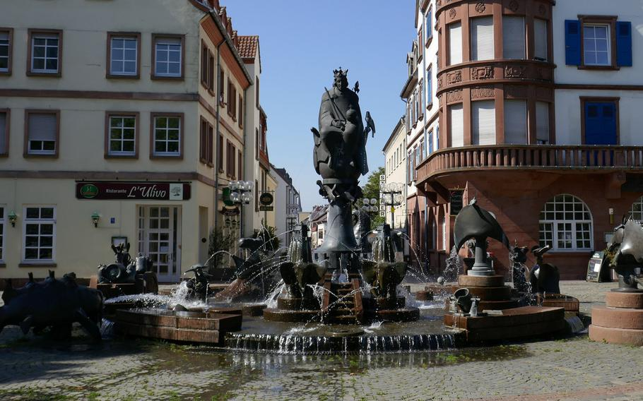 The fantastic Kaiserbrunnen, topped by Emperor Frederick Barbarossa and King Rudolf von Habsburg, is full of symbols of the history of the city. The fountain is more than 16 feet tall and stands on Mainzer Tor square at the end of Steinstrasse.