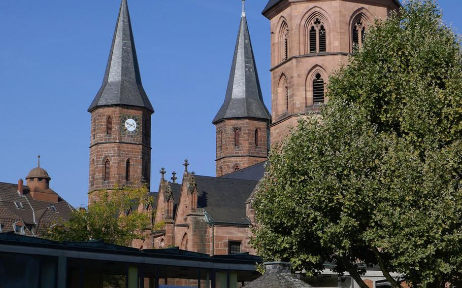 There is a farmer's' market Tuesdays and Saturdays on Stiftsplatz in Kaiserslautern, Germany. In the background is the church that gives the square its name, the Stiftskirche, or Collegiate Church.