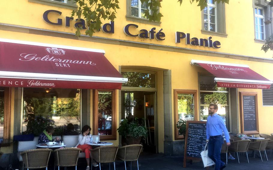 Grand Cafe Planie, in the heart of downtown Stuttgart, is a popular eatery near the Schlossplatz.