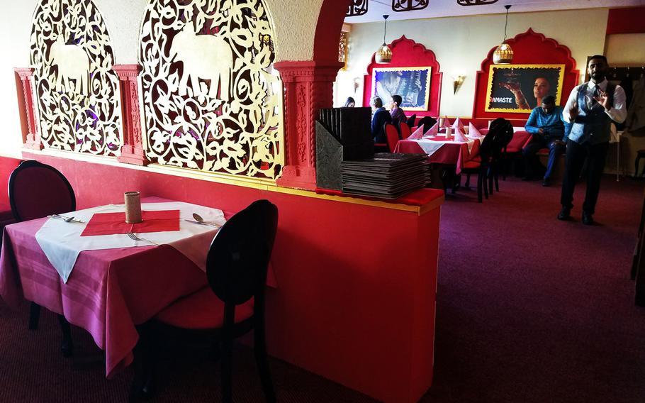 The inside of Indian Restaurant Ganesha Grafenwoehr.