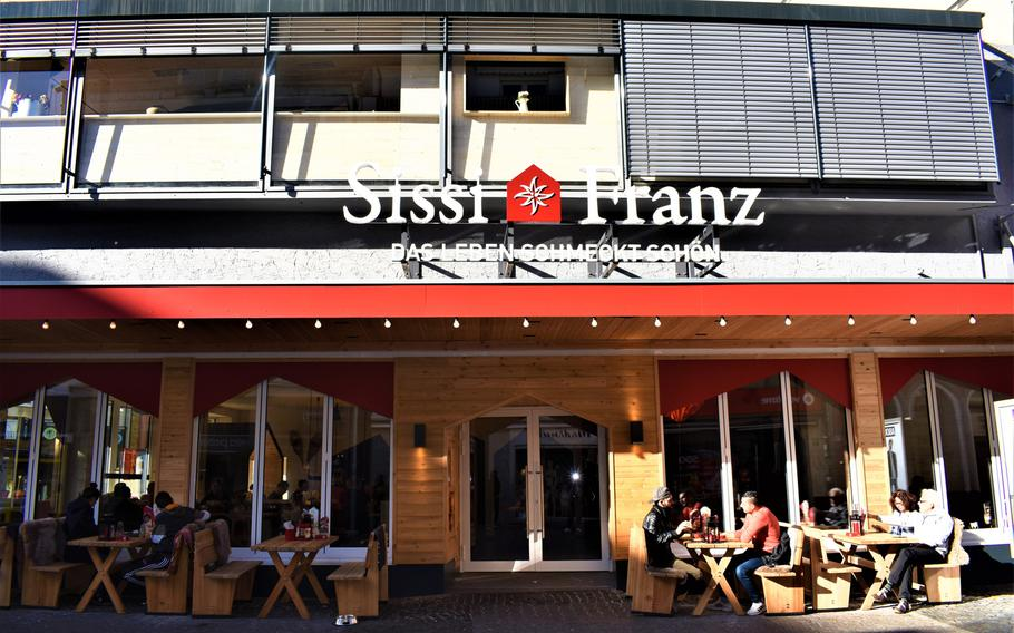 Sissi und Franz, a new burger restaurant in downtown Kaiserslautern, Germany, occupies the location of the former two-story McDonald's that was a signature feature of the city's pedestrian zone.