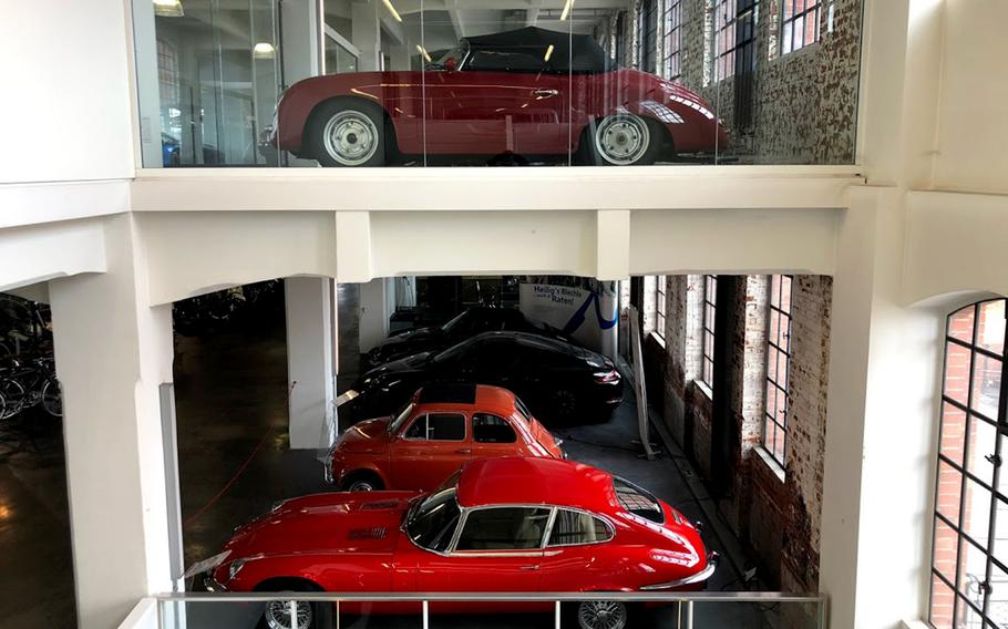 Klassikstadt houses more than 45 companies with a direct link to vintage cars, sports cars and racing. Hundreds of cars from different eras can be found here, and many are for sale.