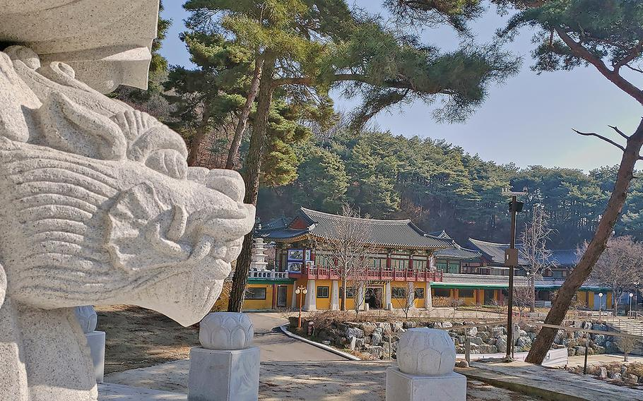 Located just six miles from Osan Air Base, Mangisa Temple offers an escape from the hustle and bustle of the military installation.