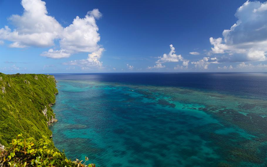 Sankakuten offers astonishing views of Irabu Island, but visitors must be careful because there are no railings.