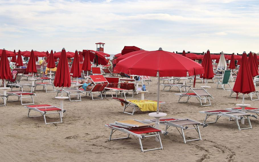 Many of the beaches in Grado, Italy, allow you to rent umbrellas and a beach chair or two. The typical cost for an umbrella with two chairs is between 14 and 18 euros.